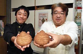 木造高生と菓子店開発、第二弾は「しゃこちゃんサブレ」/つがる