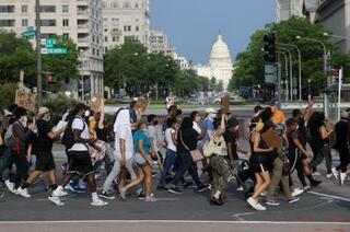 黒人抗議、全米9州に拡大