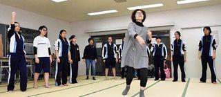 大湊高生、演劇プロから発声法学ぶ/劇団わらび座ワークショップ