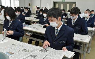 五所川原第一高校で東奥日報出前授業