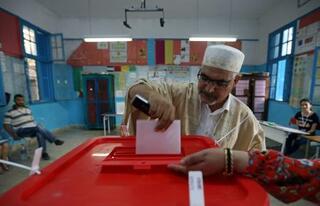 チュニジア大統領選、決選投票へ