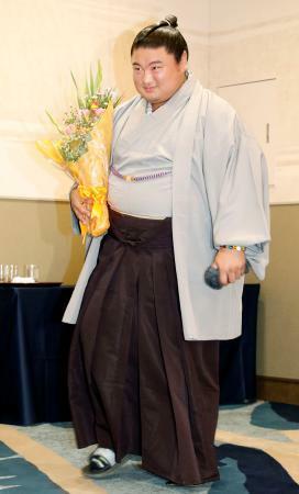37歳名力士、元嘉風が引退会見