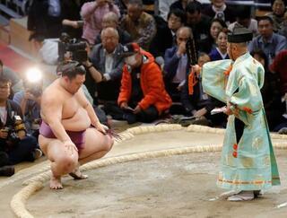 大相撲、朝乃山の年間最多勝確定