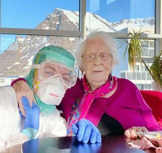 アイスランド、102歳が生還