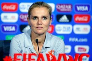 サッカー女子オランダ代表のウィーフマン監督=2019年7月、リヨン(AP=共同)