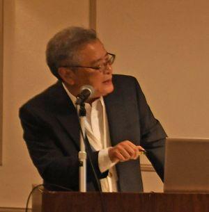 八甲田山雪中行軍を取り上げた文学作品と映像作品の違いなどを解説する青森公立大の横手教授
