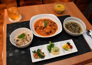 試食会でさつきさんが提供した、発酵食品を使った料理