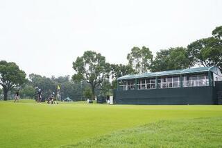女子ゴルフ開幕戦、悪天候で順延
