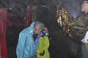 朔日山で岩木山に登り、岩木山神社奥宮に祈りをささげる