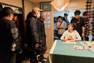 篠原涼子が笑顔と真剣な表情 映画『今日も嫌がらせ弁当』メイキング写真公開【独占】