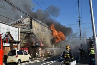 十和田で4店入居の店舗全焼