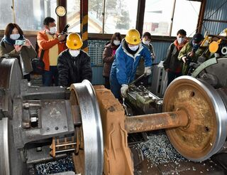 弘南鉄道沿線 多彩な魅力/住民団体がモニターツアー