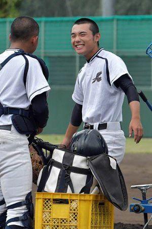 マネジャーとして光星ナインを支える平山さん=9日、大阪府豊中市